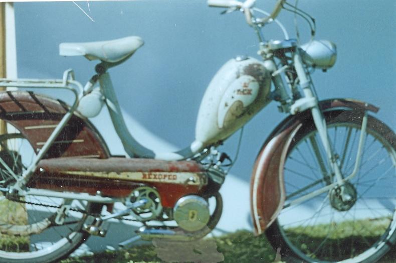 3 st mopeder