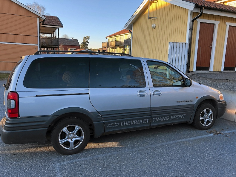 Chevrolet trans sport v6