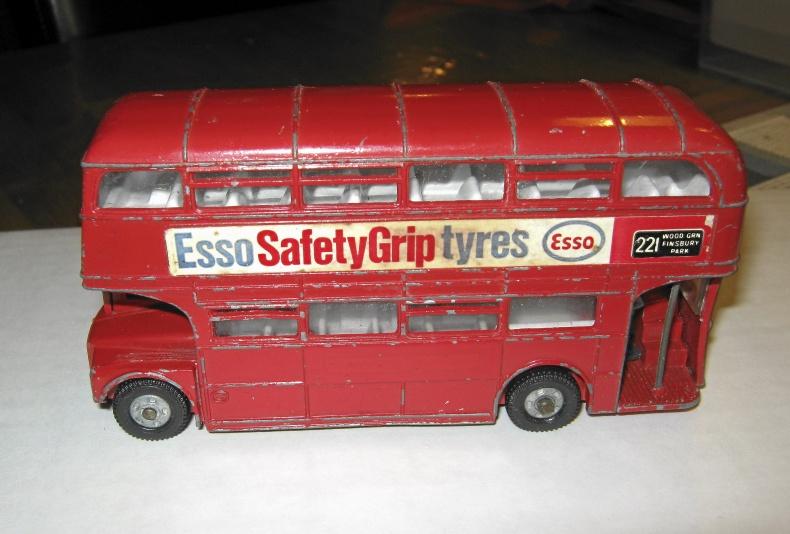 Gammal Dinky Toys Buss