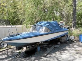 Motorbåt med 70 hk Johnson