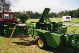 John Deere Balpress 330