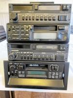 Bilradio och Volvo navkapslar