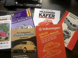 Diverse böcker om VW 1300