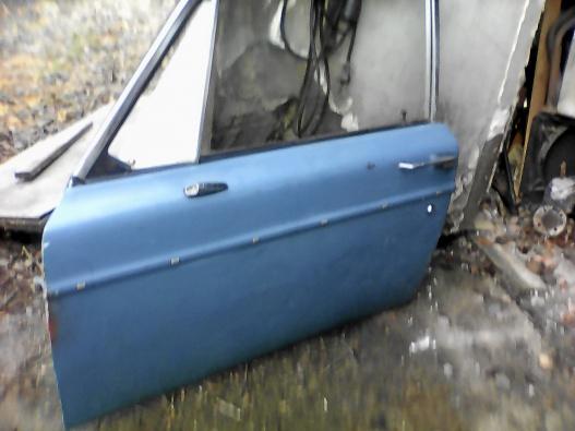 PV baklucka och grill Volvo 142 -70 vänster framdörr