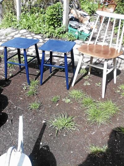 2 st Edsby-pallar blå fyrkantiga, 1 st Edsby-stol