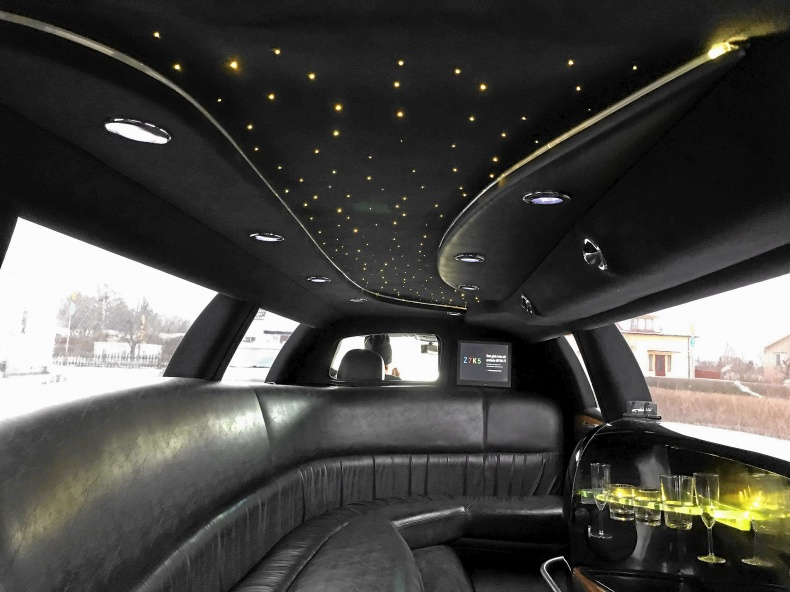 Lincoln Town Car Limo Stretch Limousine 8,6m