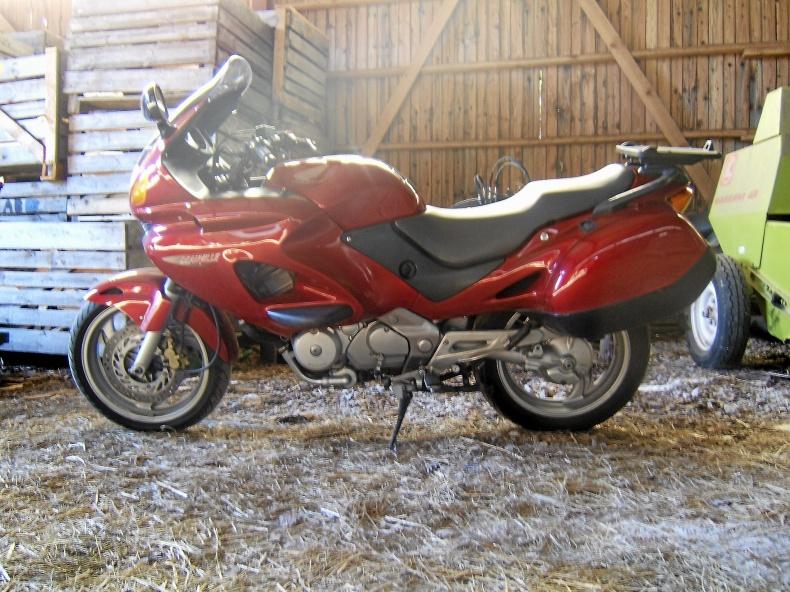 mobile_Honda 650VA Deauville
