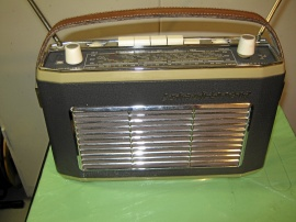 Gammal Schaub Lorenz transistorradio