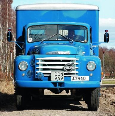 Volvo Starke med skåpbyggnad