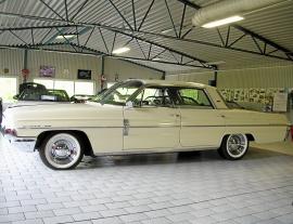Oldsmobile Super 88 V8