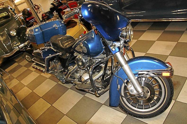 mobile_Harley-Davidson Electra Glide