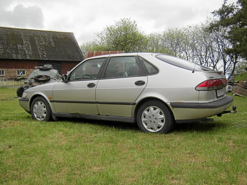 Saab 900s två st fina renobj.