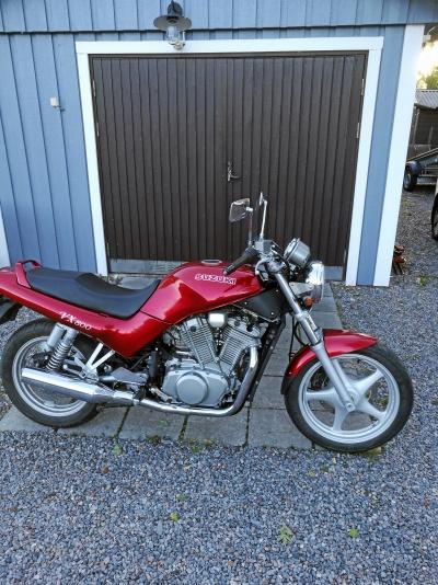 mobile_Suzuki VX 800