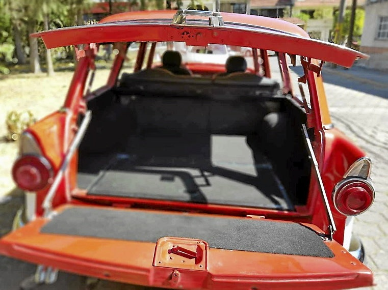 Ford Parklane 4-d station wagon -56
