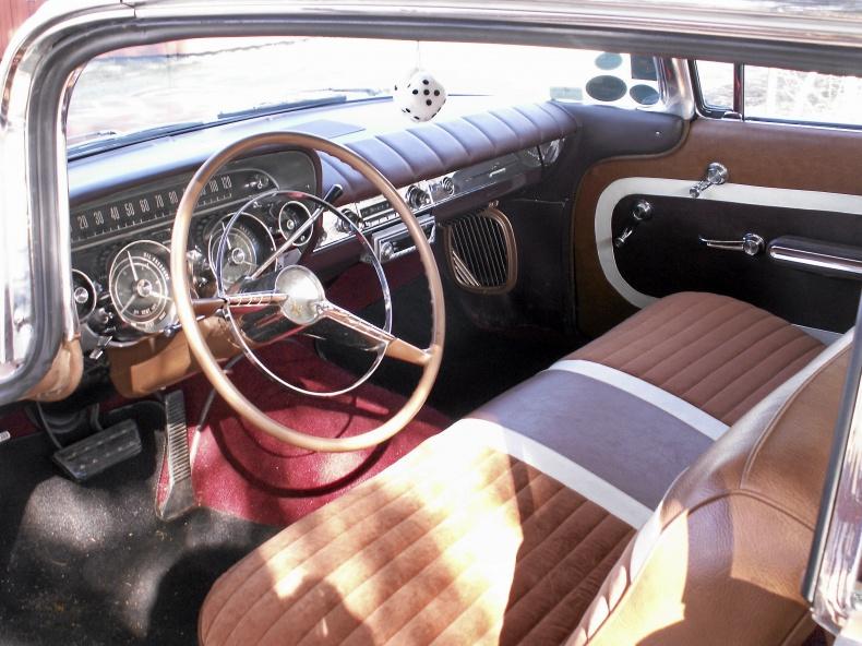 Buick Invicta 2-DR. HT