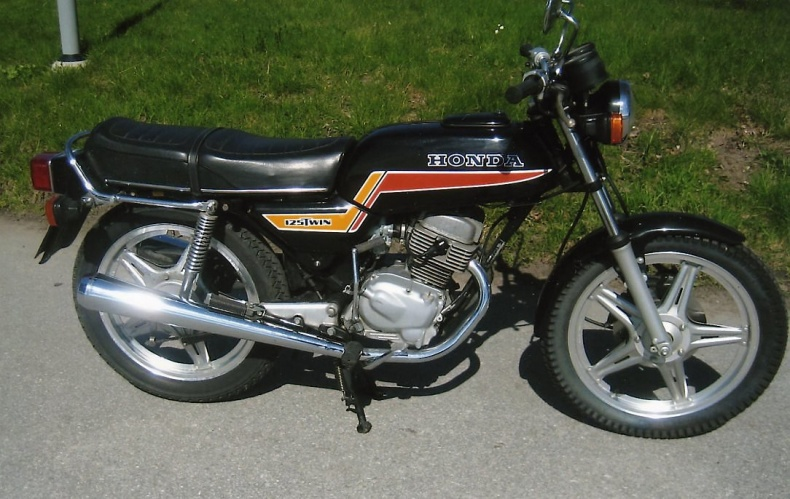 mobile_Honda 125 cc 2-cyl.