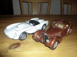 1:24 Ferrari 250 Testa Rosa och Bugatti Atlantic