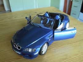 1:18 BMW M Roadmaster Cab. -96