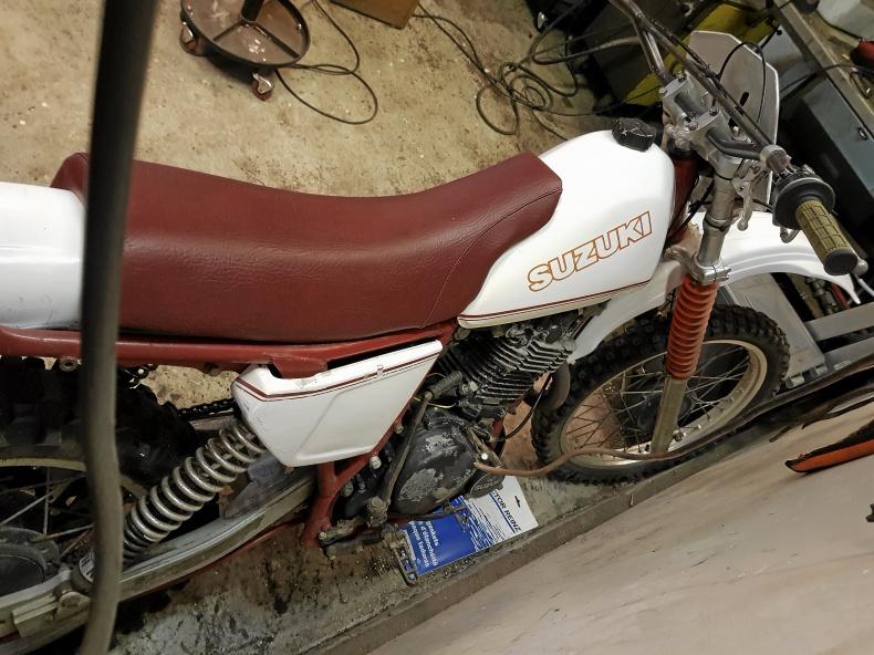Suzuki DR 500 X