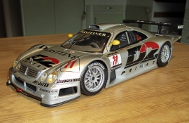 MERCEDES-BENZ CLK-GTR Banracing Skala 1:18