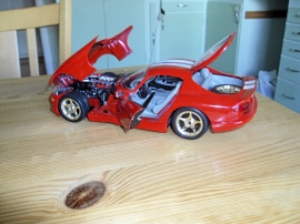 DODGE VIPER GTS COUPE Skala 1:18