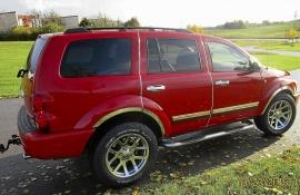 Mycket fin och påkostad Dodge Durango SLT V8