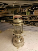 Sprit eller fotogenlampa