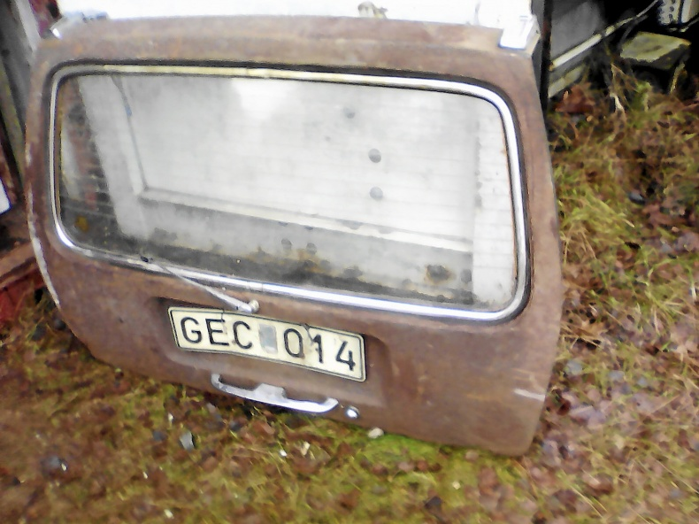 VW 1500-16OO, VOLVO 240 SKÄRMAR, PV FÖRGASARE