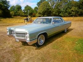 mobile_Cadillac Calais Coupe