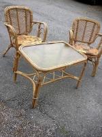 rottinggrupp bord, 2 stolar, råglasskiva