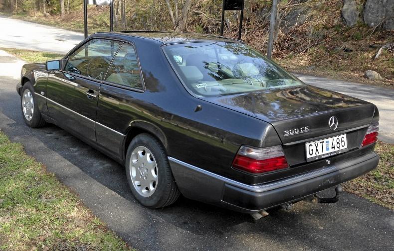 mobile_Mercedes 300CE