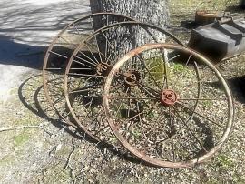 Gamla vagnshjul
