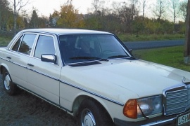 mobile_Mercedes Benz 200