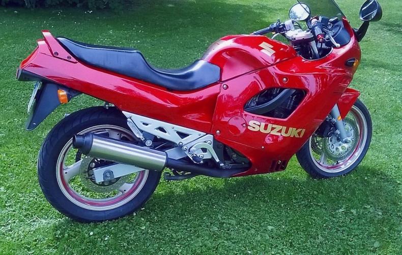 mobile_Suzuki GSX 750F
