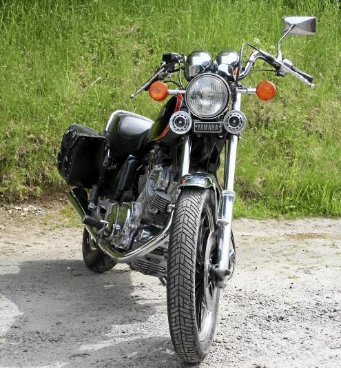 YAMAHA XV750SE