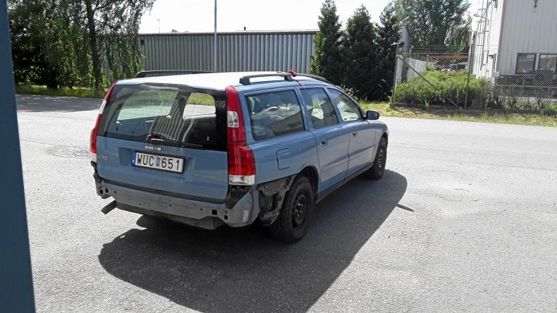Volvo V70 säljes i delar
