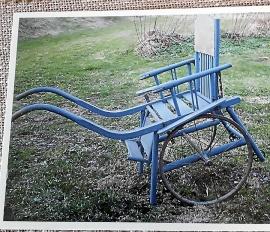 Gammal barnkärra/rullstol