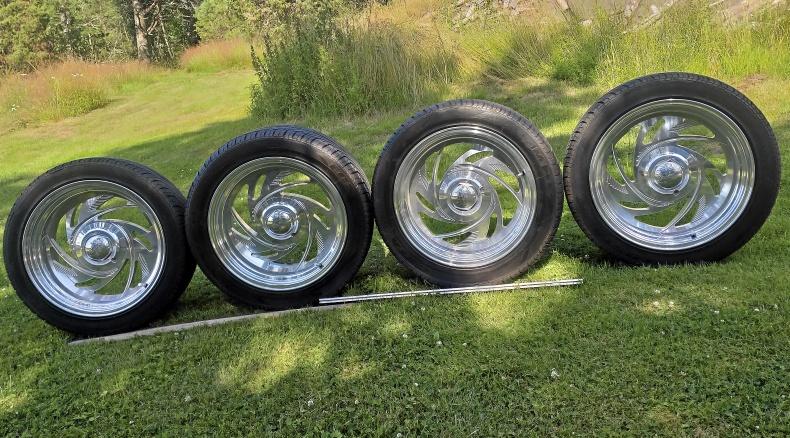 Fälgar och däck till Camaro 67-69