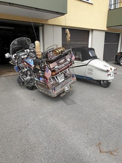 Honda Gold wing Aspencade  med släpkärra