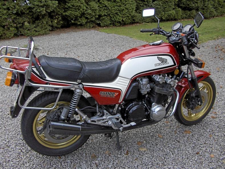 Honda CB1100 Super Bóldór