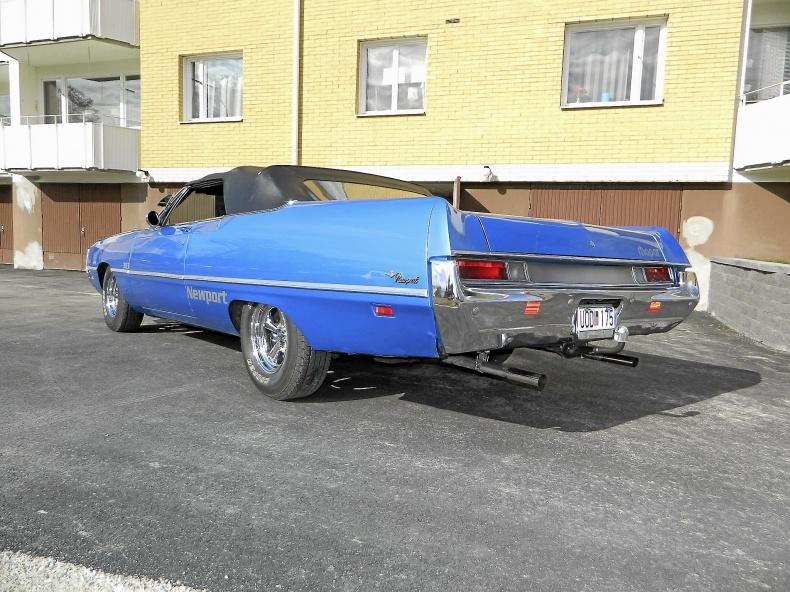 Chrysler Newport Cab