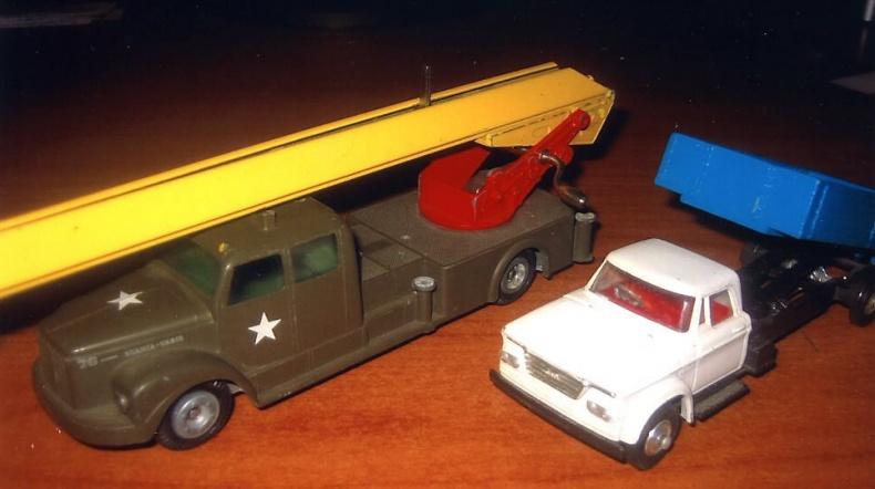 Scania 76 och Dodge Fargo