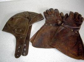Handskar och skinnluva retro