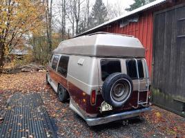 6-Hjulig Van-Ford Luxliner Repobjekt -Även byte