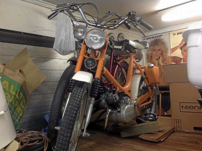 mobile_Moped MCB