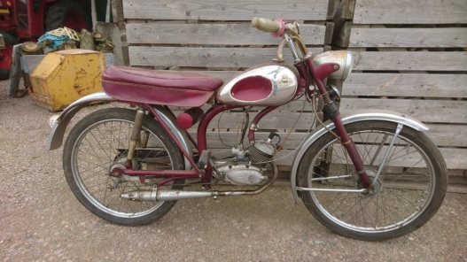 mobile_ Monark moped