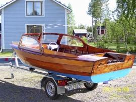 Mahogny båt