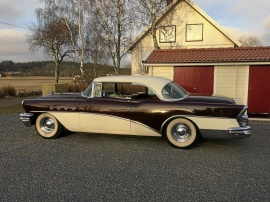 Buick Roadmaster 2dr HT