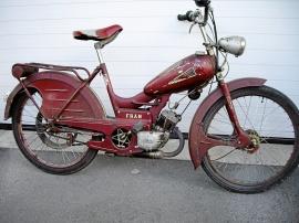 Moped av märket FRAM
