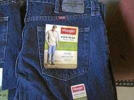 Nya Wrangler jeans USA regular fit